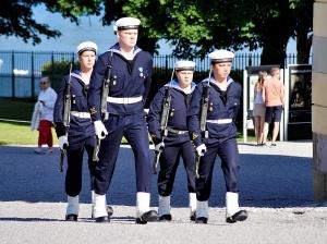 Ungt garde på Drottningholm